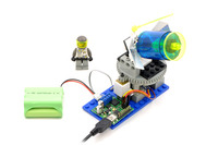 A basic feedback system controlling a LEGO turret with the jrk 21v3.