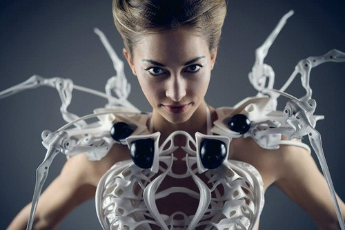 Maestro-controlled Spider Dress 2.0 at CES 2015