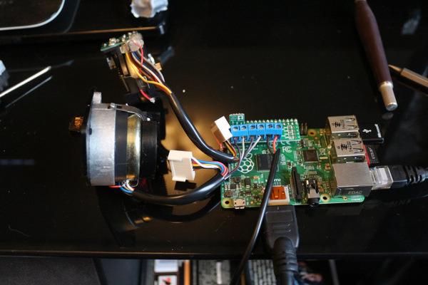 Pololu - Web-based control of a telescope using Raspberry Pi